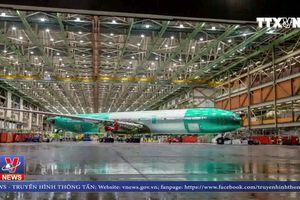 Hé lộ hình ảnh máy bay cánh gập đầu tiên của Boeing