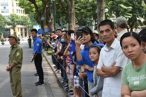 Người dân nghẹn ngào tiễn đưa nguyên Tổng Bí thư Đỗ Mười về nơi an nghỉ