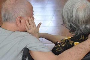 Người già bị bạo hành ngay trong nhà: 'Tôi như người thừa...'