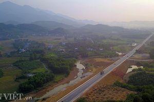 Ảnh, clip: Toàn cảnh đường BOT gần 3.000 tỷ xuyên núi đồi Tây Bắc