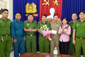 Khen thưởng lực lượng 8394 và CAP Hòa Thuận Đông