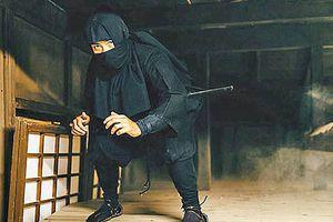 'Vũ khí độc' giúp nữ ninja lấy mạng đàn ông như lấy đồ trong túi