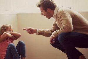 Đừng dạy trẻ bằng bạo lực