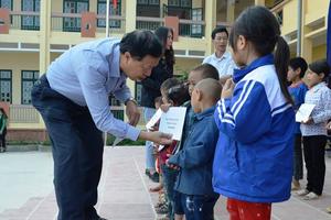 Công đoàn Bộ Ngoại giao: Ấm áp chương trình thiện nguyện tại Lào Cai