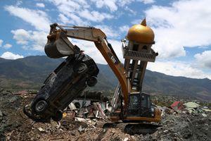 Phát hiện thêm nhiều thi thể bị chôn vùi trong thảm họa động đất Indonesia