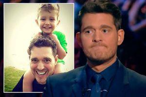 Michael Buble kể con trai 3 tuổi chiến đấu với ung thư rơi nước mắt