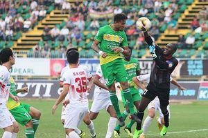 Cần Thơ rớt hạng, Nam Định tranh play-off với đội bóng nhà bầu Hiển