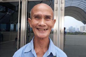 Cụ sinh viên 85 tuổi: 'Hằng ngày tôi đạp xe 35 phút đến trường'