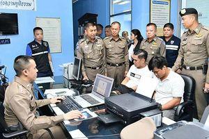 Thái Lan bắt hai người Việt vì tình nghi móc túi du khách