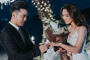 Ưng Hoàng Phúc cầu hôn bà xã bằng nhẫn kim cương 60.000 USD
