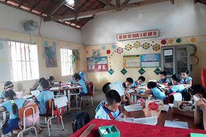 Quảng Bình: Hàng trăm học sinh trở lại trường sau đợt nghỉ để phản đối sách Công nghệ Giáo dục
