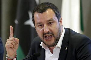 Italy dọa đóng cửa sân bay ngăn người tị nạn do Đức chuyển đến