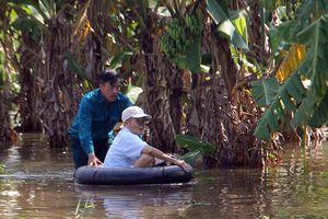 Vỡ đê, nhiều hộ dân ở Cần Thơ chìm trong biển nước