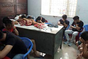 Hốt trọn ổ 25 thanh niên phê ma túy trong quán karaoke ở Đà Nẵng
