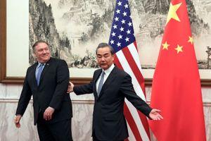 Ngoại trưởng Mỹ - Trung công khai thách thức khi chạm mặt ở Bắc Kinh