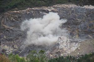Sau phản ánh của Báo Lao Động, Bình Định xử phạt các mỏ đá gây ô nhiễm môi trường