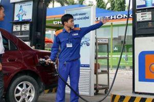 Vì sao giá xăng dầu đồng loạt tăng mạnh?