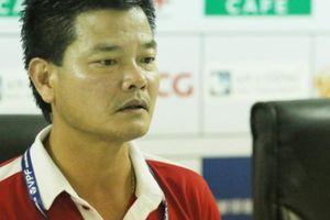HLV Nguyễn Văn Sỹ vừa mừng vừa lo dù Nam Định giành vé dự play-off