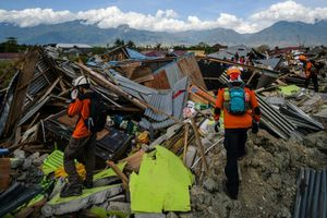 Thảm họa kép ở Indonesia: Hy vọng ngày càng mờ nhạt