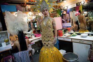Phận 'nữ nhi' Việt ngay dưới thiên đường chuyển giới Thái Lan