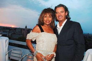 'Nữ hoàng nhạc Rock n roll'' Tina Turner: 'Tôi được chồng dẫn đến nhà thổ trong đêm tân hôn'