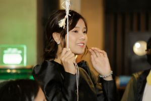 Hoàng Yến Chibi xúc động khi nhận quà 'lớn' từ fan