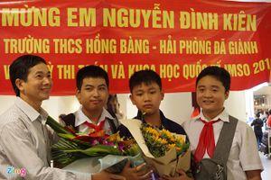 Nam sinh giành huy chương vàng Olympic Toán học biết đọc từ 3 tuổi