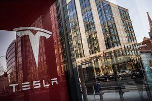 Sự lừa dối ở Tesla sắp bắt kịp Lehman