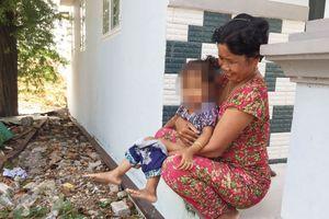 Nỗi khổ của phụ nữ ở những nơi không có nhà vệ sinh