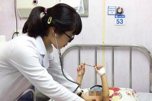 Hà Nội, TP. HCM gia tăng nhanh số trẻ mắc bệnh tay chân miệng