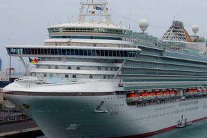 Pháp: Công tố viên đề nghị phạt nặng tàu du lịch gây ô nhiễm