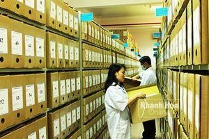 Chuyện nghề lưu trữ hồ sơ