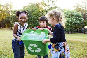 Dạy con cách bảo vệ môi trường