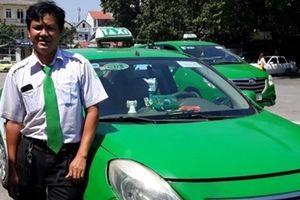 Tài xế nhanh trí giúp sản phụ vượt cạn trên taxi