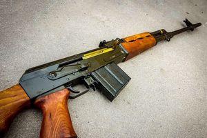 Hình ảnh siêu súng bắn tỉa M76 gợi nhớ về huyền thoại AK-47
