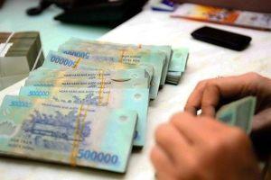 VEPR: Ngân hàng Nhà nước có thể phải bán ra ngoại tệ hoặc nâng lãi suất để giữ giá VND