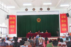 5 năm 6 tháng tù cho nguyên Chủ tịch UBND và kế toán xã La Dạ
