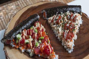 Cách đơn giản làm món sushi pizza độc đáo