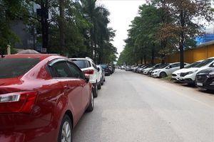 Bát nháo việc dừng, đỗ xe tại các khu đô thị trên địa bàn