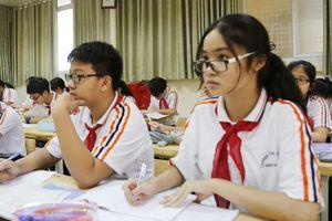 Lo lắng trẻ 'quá tải' vì thay đổi thi vào lớp 10 tại Hà Nội