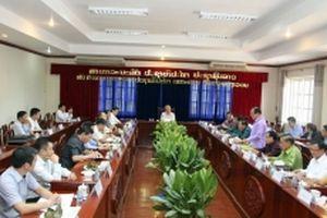 Đồng chí Trần Quốc Vượng và Đoàn đại biểu cấp cao Việt Nam thăm tỉnh Vientiane