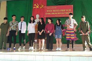 Học sinh Tuyên Quang diễn 'Quỳnh búp bê' tuyên truyền giáo dục pháp luật trong nhà trường