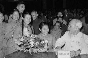Thấm nhuần tư tưởng Hồ Chí Minh về công tác giáo dục, bồi dưỡng thế hệ thanh niên
