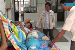 Cà Mau: Bệnh nhân nam cao 2,5m khổ sở trăm bề
