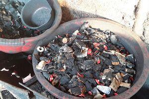 Vụ dùng tạp chất, vụn đá, bột pin trộn vào tiêu: Truy tố 5 bị can