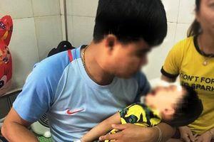 Nghệ An: Lại thêm bé 2 tuổi bị chó nhà cắn nát mặt