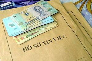 Truy tố 8 đối tượng nhận 'tiền chạy việc' chiếm đoạt hàng chục tỷ đồng