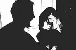 Phê chuẩn khởi tố, tạm giam đối tượng nhiều lần xâm hại tình dục nữ sinh THCS