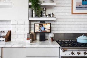 Facebook ra mắt màn hình thông minh Portal để gọi video, có Alexa