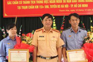 Khen thưởng 2 nhân viên đường sắt đã dừng đoàn tàu tránh tai nạn thảm khốc